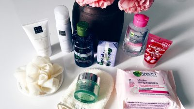 BEAUTY ESSENTIALS FOR THE CLINIC